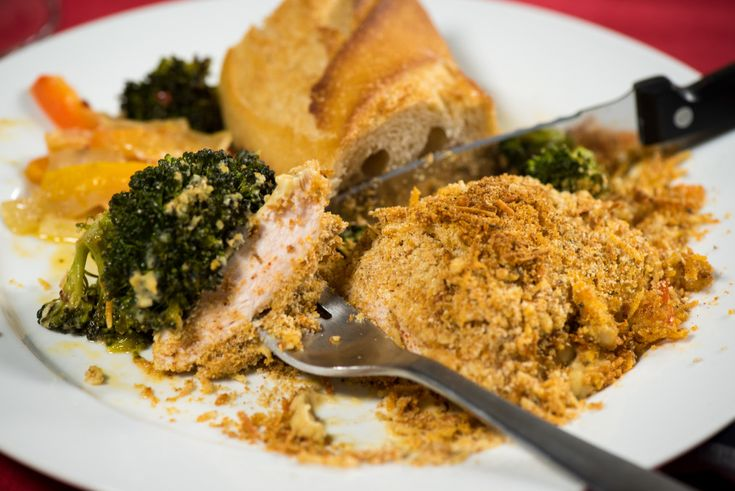 One-Dish Hummus Crusted Chicken And Veggies