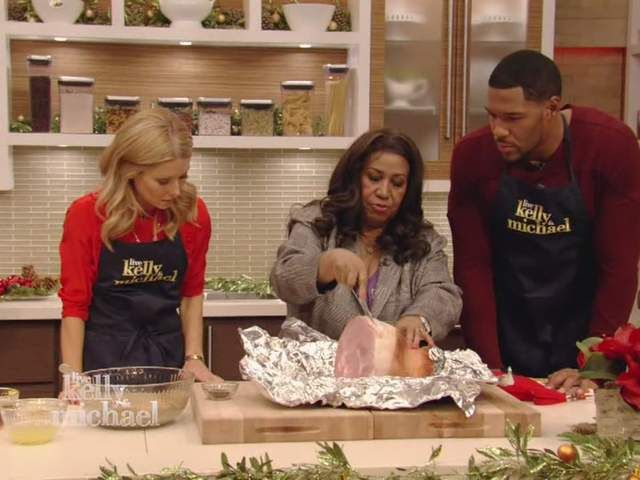 Queen of Soul Aretha Franklin appeared on LIVE with Kelly and Michael Christmas Eve special to perform and share her ham recipe that she glazes with Verners!