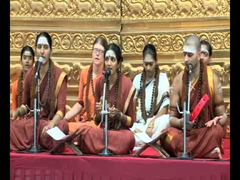 Nithya Kirthan - You are the light that I see One of my FAV KIRTANS!