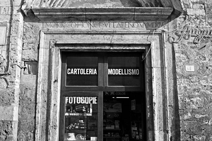 il morir con honor vita renova. Ascoli Piceno, Via Cairoli 4.