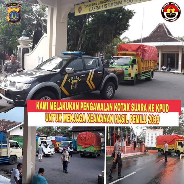29 04 2019 Anggota Polsek Wonosari Melakukan Pengawalan Kotak Suara Dari Ppk Kecamatan Wonosari Menuju Kpud Gunungkidul P Monster Trucks Instagram Trucks