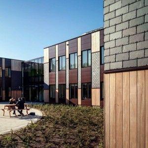 Сланец Welsh Slate Penrhyn, школа в Голландии. Натуральный сланец — это энергия природы, красота фактуры камня, цвет. Сочетая сланец с натуральным деревом, стеклом, сталью, можно создавать очень красивые и современные здания