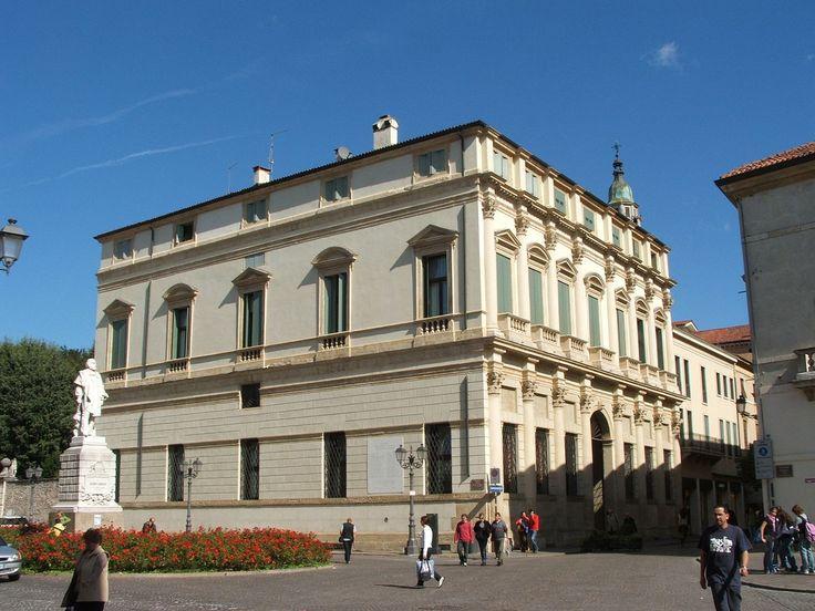 Andrea Palladio - Palazzo Thiene Bonin Longare in Vicenza (view from Piazza Castello)
