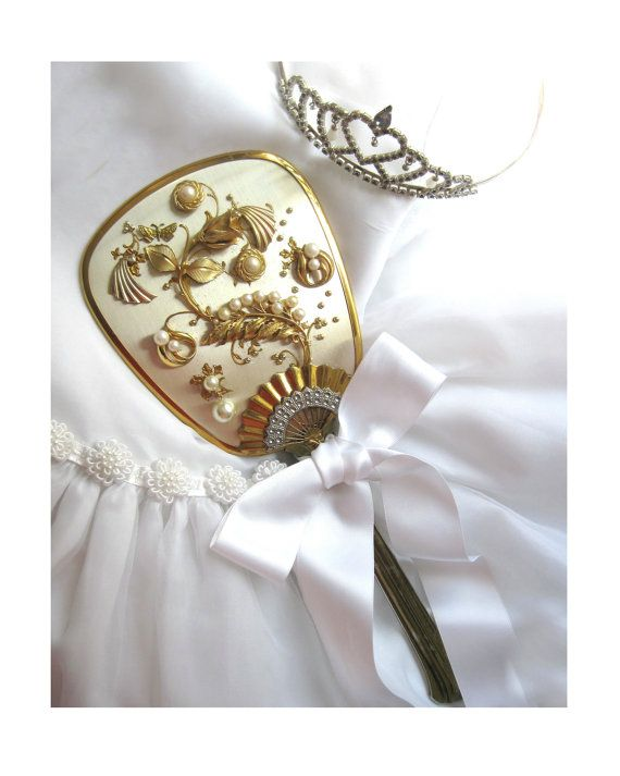 Gift Ideas For A Bride On Her Wedding Day : elegant....what a sweet gift for the bride on her wedding day! Wedding ...