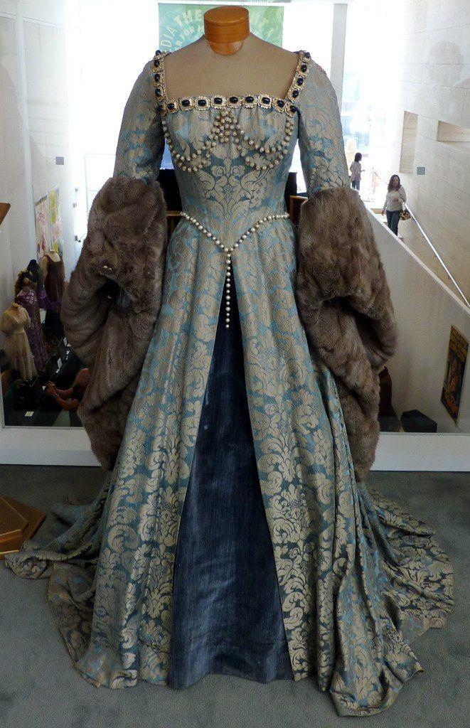 Gown with fur trim Tudor Costume design by Walter Plunkett ...