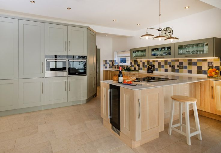 Driftwood and Painted Shaker Fusion kitchen with 12mm Corian Worktop 1