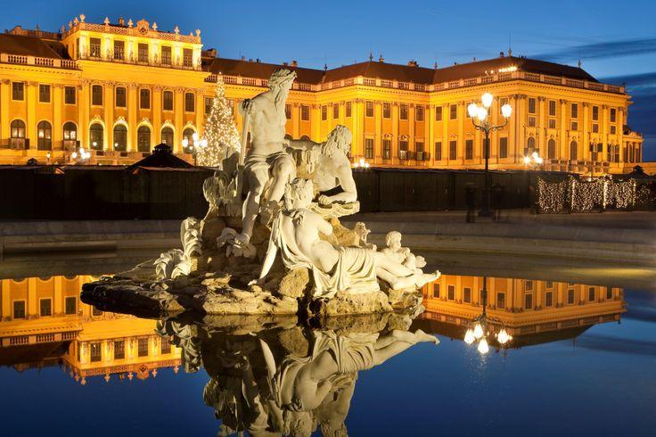 Orta Avrupa Turları ile eski çağların izlerini taşıyan ve mimarisiyle sizleri büyüleyecek,tarihi dönemlere yolculuk edeceksiniz. Ayrıntılı bilgi için: http://www.gezenthi.com/tr/tur/izmir-cikisli-orta-avrupa-turlari.html