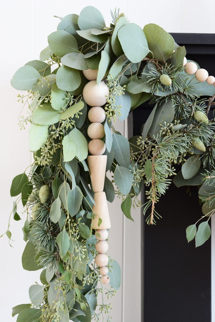 Bead and fresh greenery garland // minimalist, Scandinavian inspired holiday decor for winter