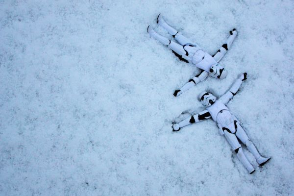 Camouflage storm tropper winter snow hide hiding star wars Stormtrooper Snow Angels: