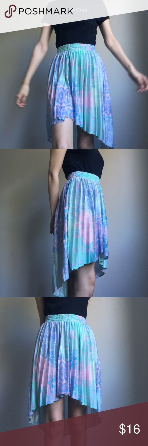 TOPSHOP Skirt topshop pastel hi-lo skirt ⭐️ beautiful colors in a super cool trippy pattern! has a sheen to it. size 4 and fits true but elastic waistband can accommodate for slightly bigger or smaller sizes. let me know if u have any questions ✨ Topshop Skirts High Low