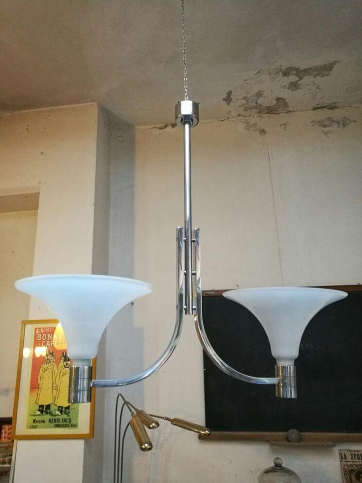 Coppia di lampadari per Sirrah Albini Helg Piva Vetro bianco e acciaio Misure 105x105x40