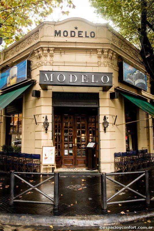 #PATRIMONIO - Modelo y protagonista. La Cervecería Modelo, una esquina tradicional que cumple 120 años. Una historia marcada por el desarrollo, propio de una ciudad en pleno auge. Fotos: Leandro Arévalo