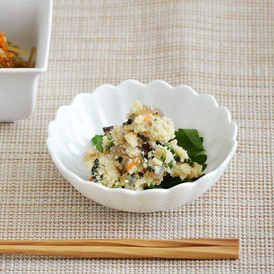 輪花小鉢 白 アウトレット込み   食器 お皿 花型 小鉢 松花堂 向付 ボウル 白い食器