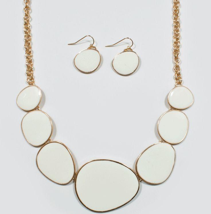 http://kareliafj.tictail.com/product/epoxy-necklace-earring-set-357699