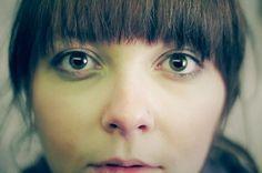 目のクママッサージ|目のクマの原因 - 目の病気・症状 チェック