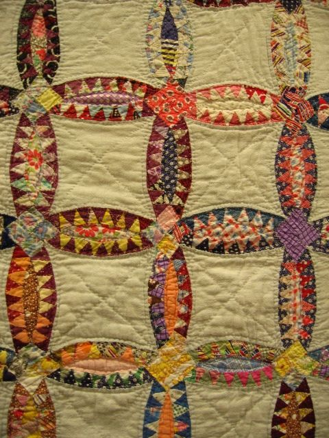 """kellysuequilter: """" herminehesse: """" Early 20th century Pickle Dish scrap quilt - Jeana Kimball """" I love vintage quilts. This one is a wonderful example! """""""