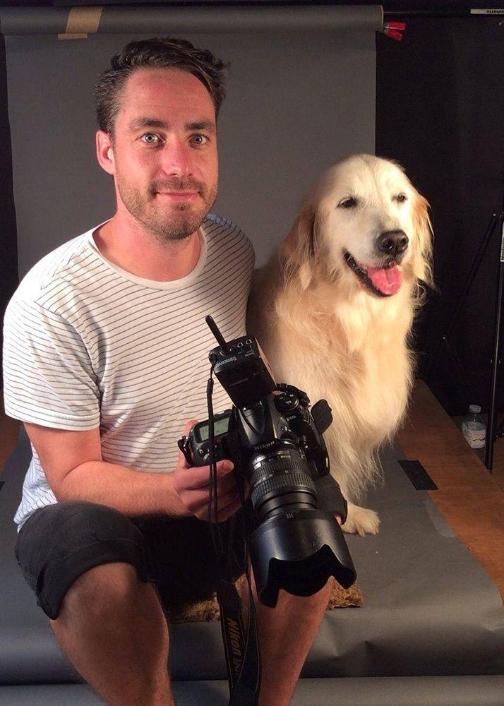 """O fotógrafo canadense Pete Thorne vive em Toronto, onde mantém seu estúdio e toca projetos especiais, como este """"Velho e Fiel"""", com retratos de cães muitos velhos. As fotos devem ser reunidas em uma exposição ou um livro"""