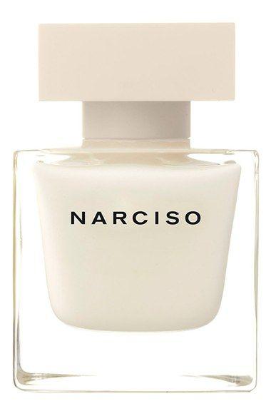 Narciso Rodriguez 'Narciso' Eau de Parfum: acorde floral tierno, gardenia, rosa, sensual acuerdo almizcle, ámbar, almizcle, acorde amaderado asertivo, madera de cedro rojo, madera de cedro blanco y vetiver.