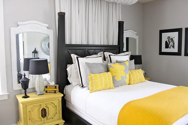 adorable nightstandColors Combos, Bedrooms Colors, Yellow Bedrooms, Colors Schemes, Master Bedrooms, Bedrooms Ideas, Gray Yellow, Gray Wall, Gray Bedrooms