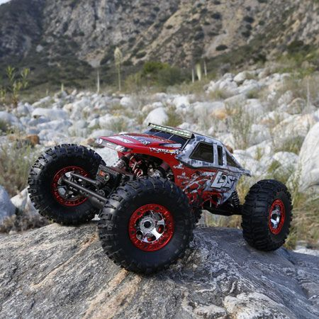 Part of the challenge of driving the Losi Night Crawler 2.0 4WD Rock Crawler is finding a scenario it can't handle. The engineers at Losi took this edition of the Night Crawler to its limit, giving it even more terrain-conquering capabilities than ever before.