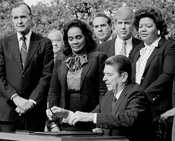 https://i.pinimg.com/736x/15/a8/7f/15a87f876a429f65b05ad79d21d8643f--martin-luther-king-holiday-ronald-reagan.jpg