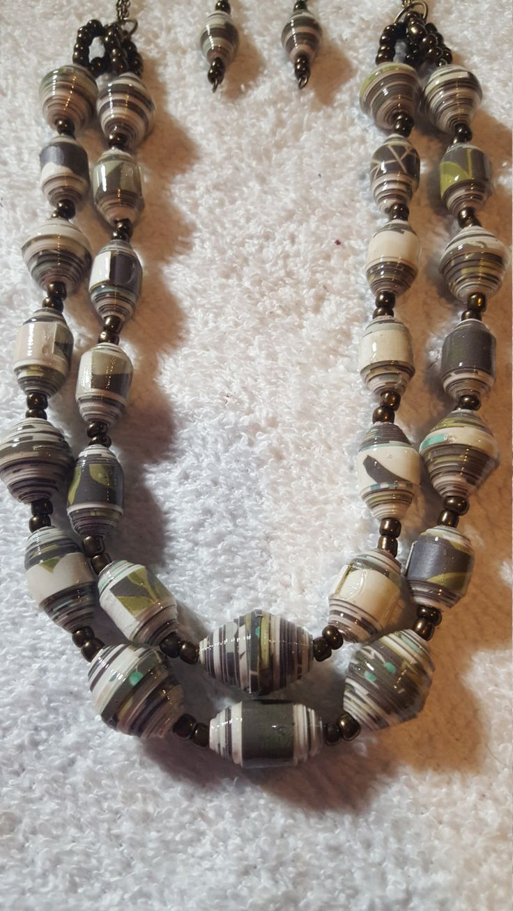Paper Bead Necklace Set by preciouscreabyJudy on Etsy