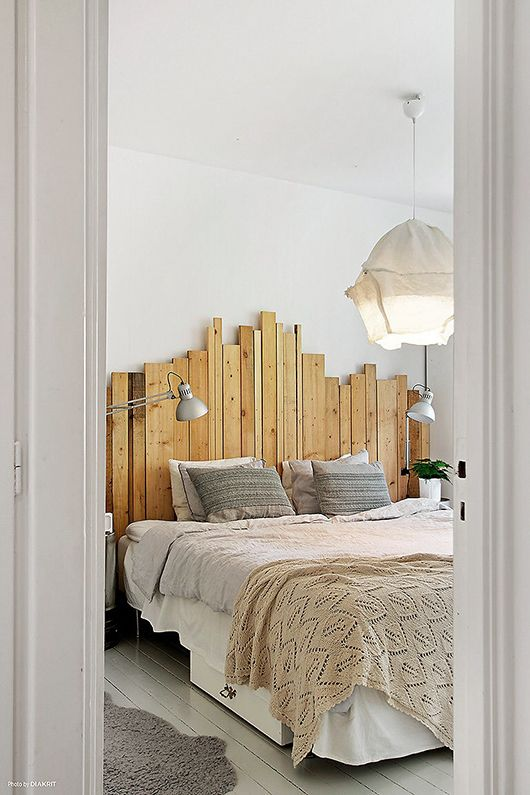 Bedroom with nice details via the blog Trendenser. This is a cool, different…
