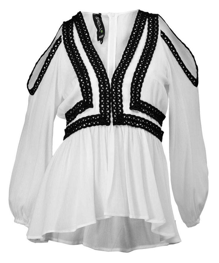 http://www.revolves.gr/shop/access-spell-μπλούζα-λευκό-5034/