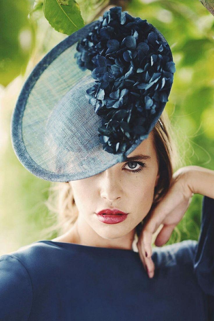 Elegant Saucer #Hat with a monochromatic ensemble.