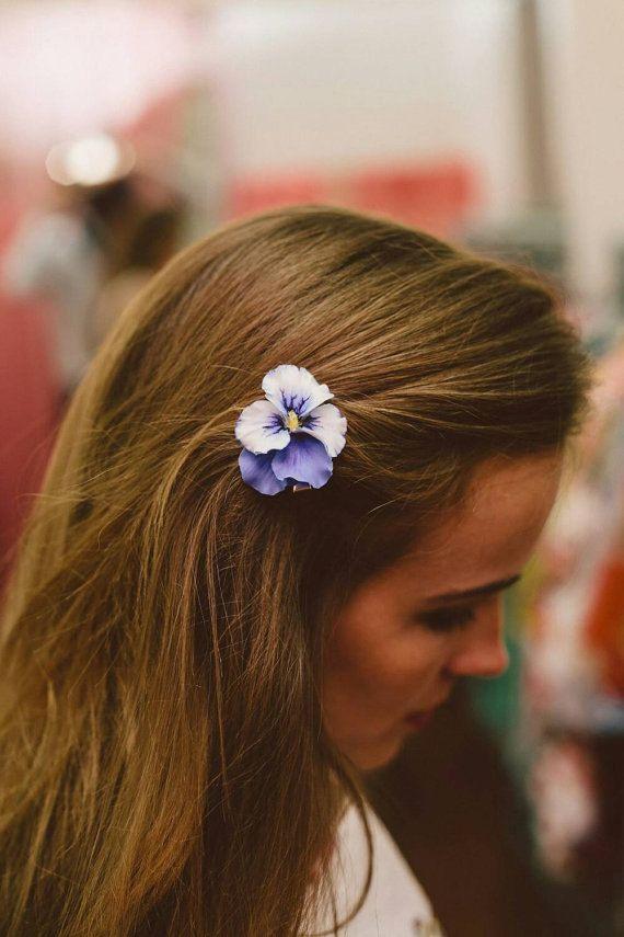 Hoi! Ik heb een geweldige listing op Etsy gevonden: https://www.etsy.com/nl/listing/458943550/bloem-haarspeld-viooltje-haarspeld-gift