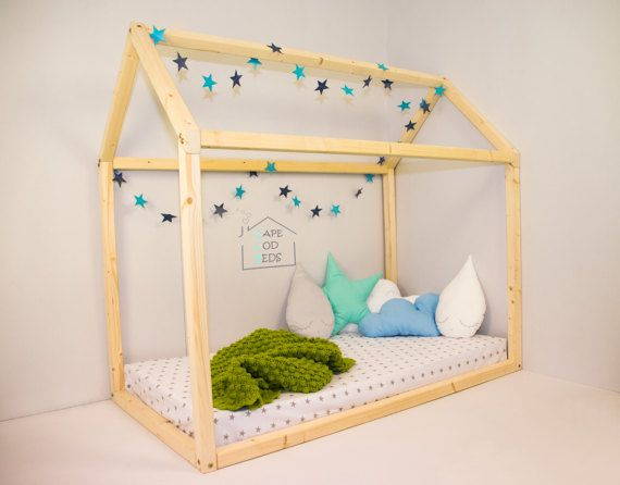 8 best floor montessori bed images on pinterest montessori bed house beds and room kids. Black Bedroom Furniture Sets. Home Design Ideas