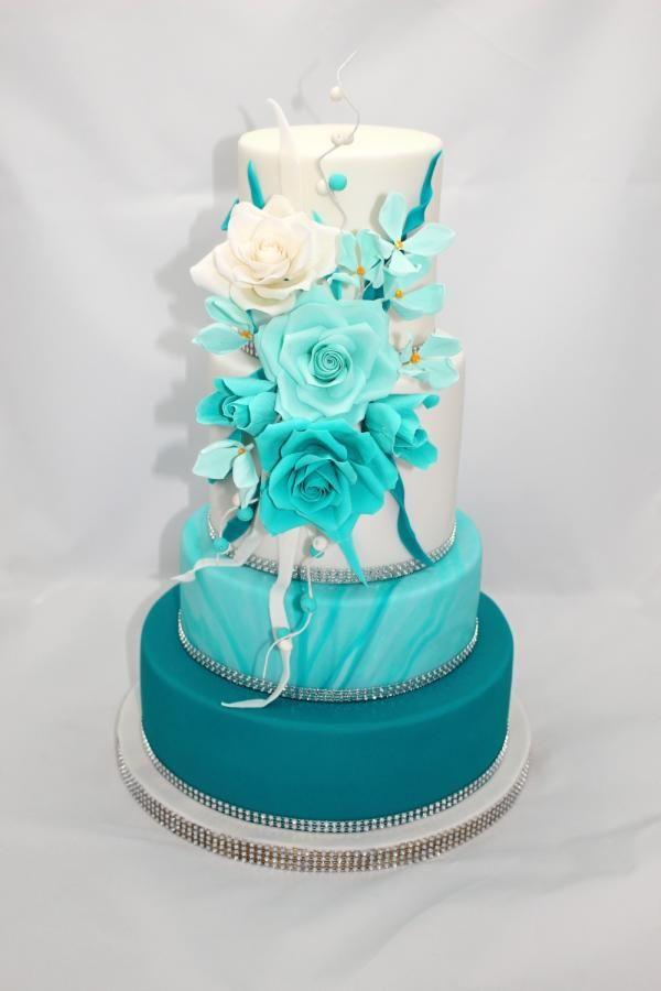 Wedding cake by Zdenek - http://cakesdecor.com/cakes/266980-wedding-cake