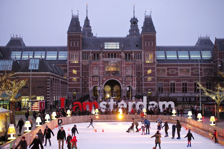 Looking for a city break to Amsterdam? We have amazing weekend and short breaks to Amsterdam