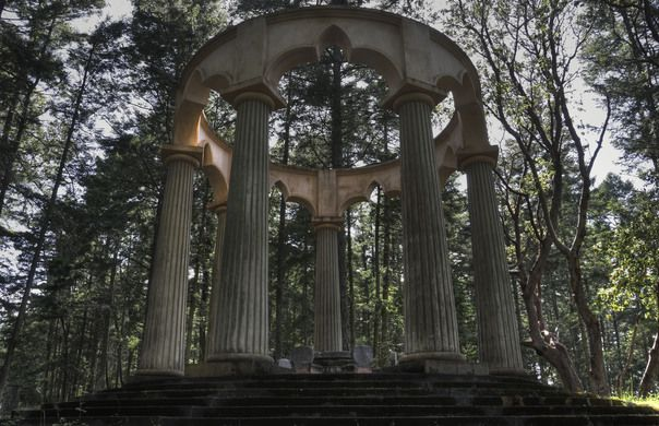 This family mausoleum is steeped in symbolism and looks more like a fantasy location than a grave