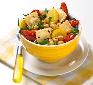 This healthy ravioli and summer vegetable recipe can be prepared in less than 20 minutes.