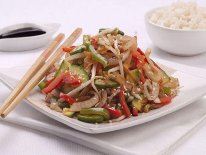 Chop suey con arroz