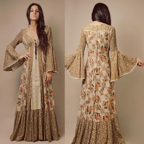 ◉ Vtg 70s Medieval Folk PEASANT Corset FLORAL Bell Slv CALICO Cotton MAXI DRESS