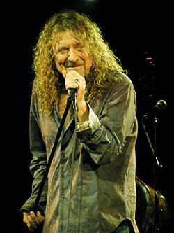 robert plant    Robert Plant at the Palace Theatre, Manchester.jpg
