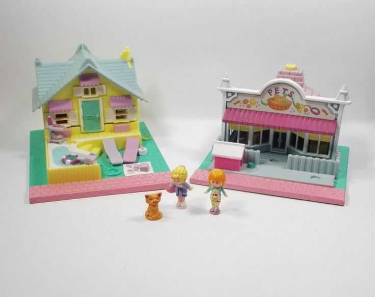 Polly Pocket - Micro Figure Play Sets X 2 + 3 Figures - Bluebird Toys (1)