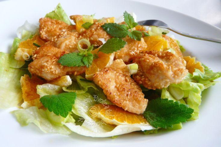 Fotorecept: Kuracie kúsky so zeleninovo-ovocným šalátom