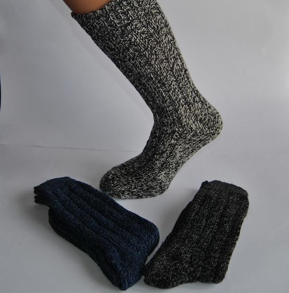 Calcetines de lana virgen