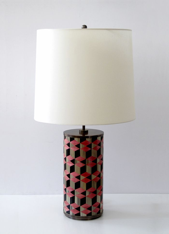 Lampe en laiton patiné et  marqueterie de paille FL108, design Luis Laplace.
