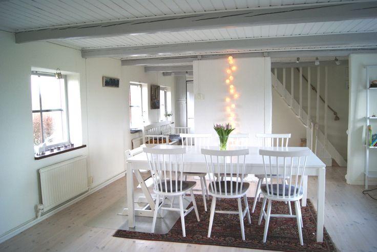 matbord, hus, ljusslinga | Inredning | Pinterest