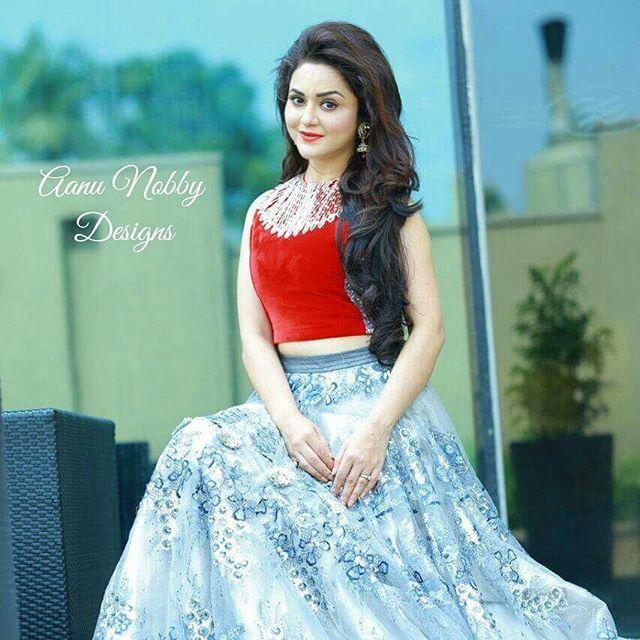 Ragini Nandwani in bridal wear. AanDe by Aanu Nobby