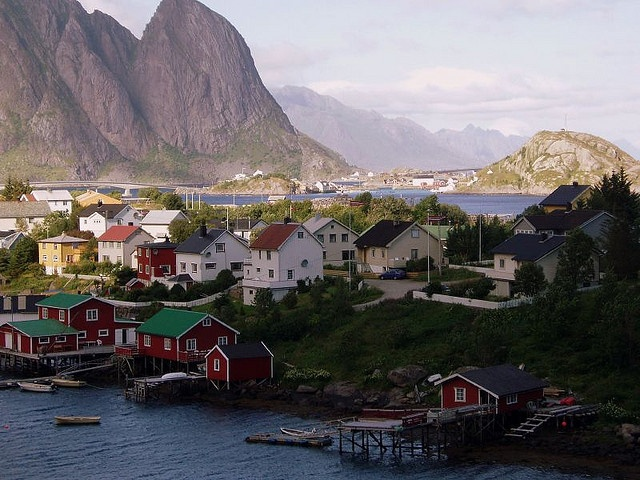 Molde, Norway. The place where my great grandfather emigrated from. Dying to go here.