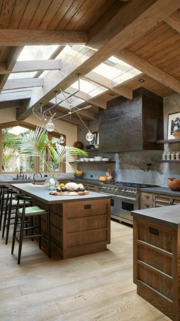 Luxury Kitchen Design, Rustic Kitchen Design, Cuisines Design, Kitchen Interior, Home Kitchens, Dream Kitchens, Small Kitchens, Luxury Kitchens, Galley Kitchens