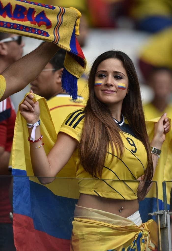 It S Hot In Brazil Hot Football Fans Football Girls