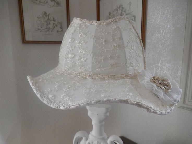 1000 id es sur le th me abat jour en dentelle sur pinterest abat jour lampe en dentelle et. Black Bedroom Furniture Sets. Home Design Ideas