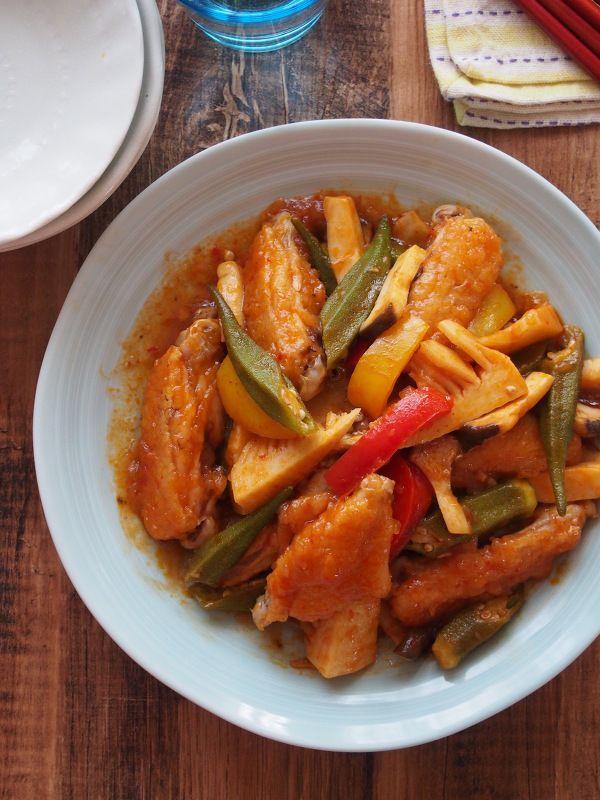 鶏手羽中とごろごろ野菜のチリソース炒め by 河埜 玲子   レシピサイト ...