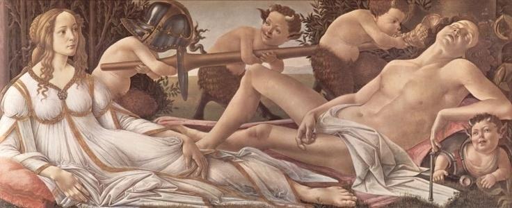 비너스와 마르스 - 산드로 보티첼리 /   이 작품은 사랑의 여신 비너스와 전쟁의 신 마르스의 모습을 고전적으로 묘사하고 있다. 마르스는 잠에 빠져 있고 비너스는 이 모습을 여유롭게 지켜보고 있다. 또한 사티로스들과 큐피드는 마르스의 무기를 들고 마르스를 놀리는 듯한 모습이다. 이러한 점으로 추측했을 때 사랑의 여신 비너스가 전쟁의 신 마르스에게 승리했고 이는 결국 사랑이 폭력이나 전쟁을 넘어서는 강력한 힘이라는 것을 의미한다.
